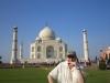 Fabrizio Poggi plays harmonica in front of Taj Mahal - Agra, India