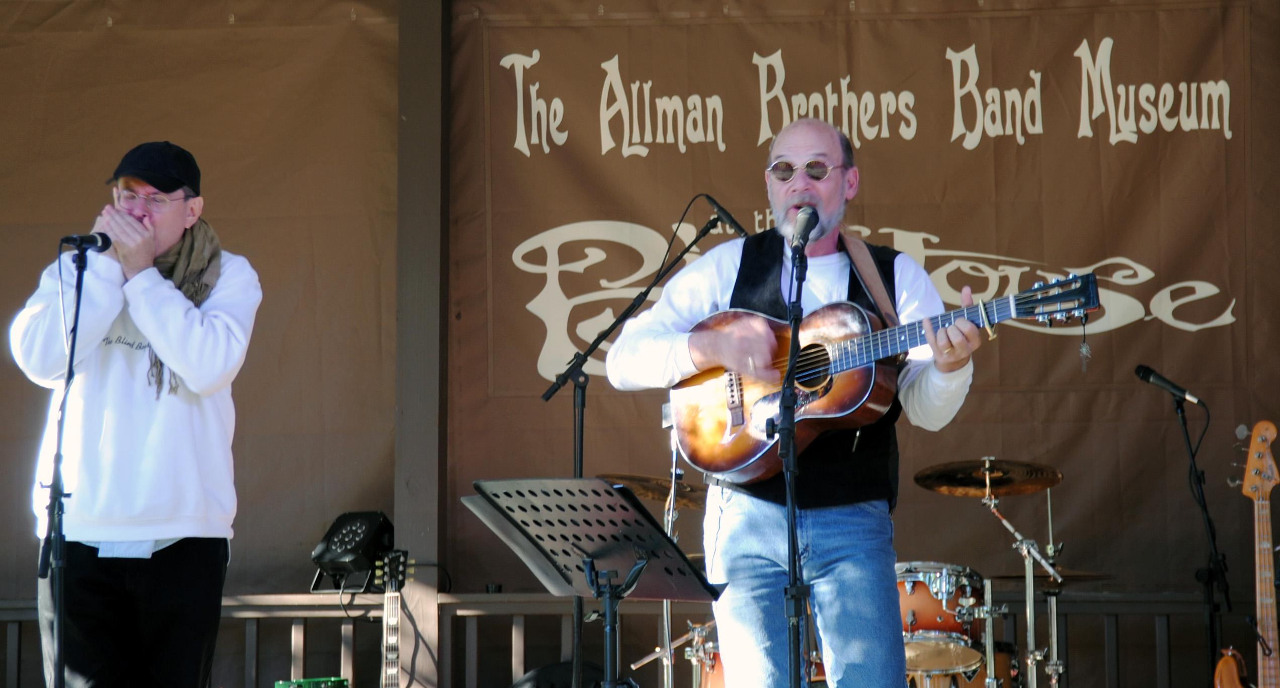 Fabrizio Poggi & Scott Pallot live at The Allman Brothers Big House in Macon, Georgia