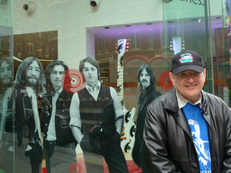 Fabrizio Poggi and The Beatles - London, UK