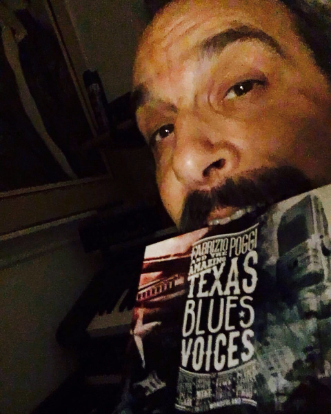 Cole El Saleh with Fabrizio Poggi\'s cd Texas Blues Voices