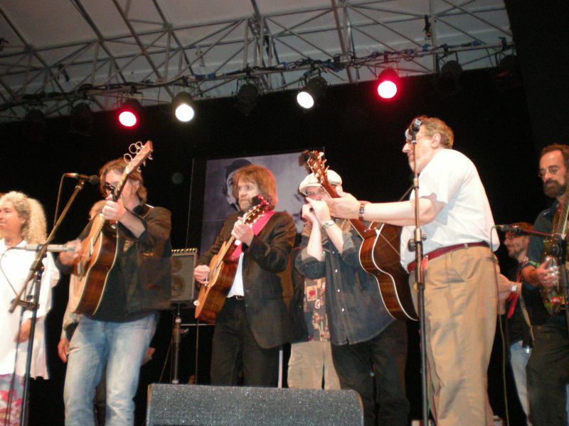 from left  Nora Guthrie, Johnny Irion, Beppe Gambetta, Fabrizio Poggi, David Bromberg and Bob Brozman