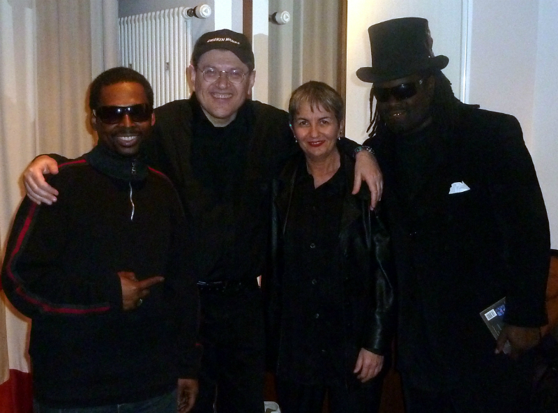 Joey Williams, Fabrizio Poggi, Angelina and Tracy Pierce (The Blind Boys of Alabama)