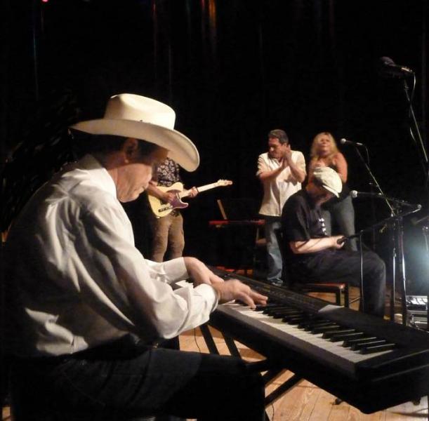 Fabrizio Poggi live in Texas with Floyd Domino, Tommy Elskes, Debbi Walton