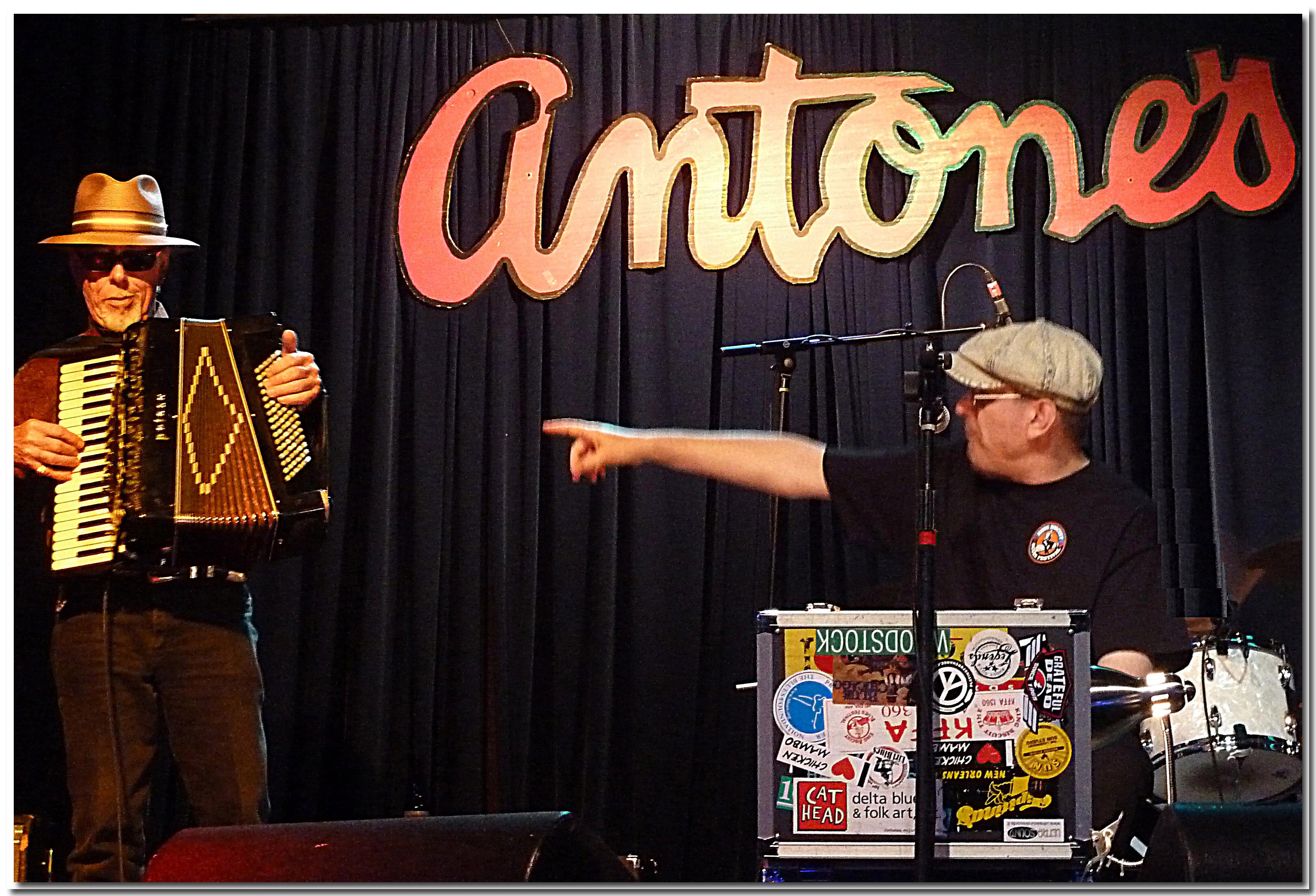 Fabrizio Poggi & Ponty Bone Antone\'s Austin Texas